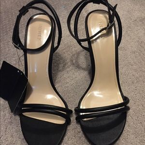 NWT Forever 21 heels
